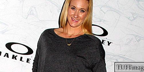 Hier is hoe Olympian Kerri Walsh Jennings Wellness doet